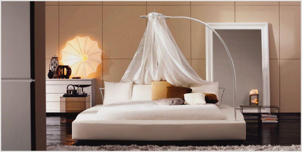 Спальня кровать с балдахином