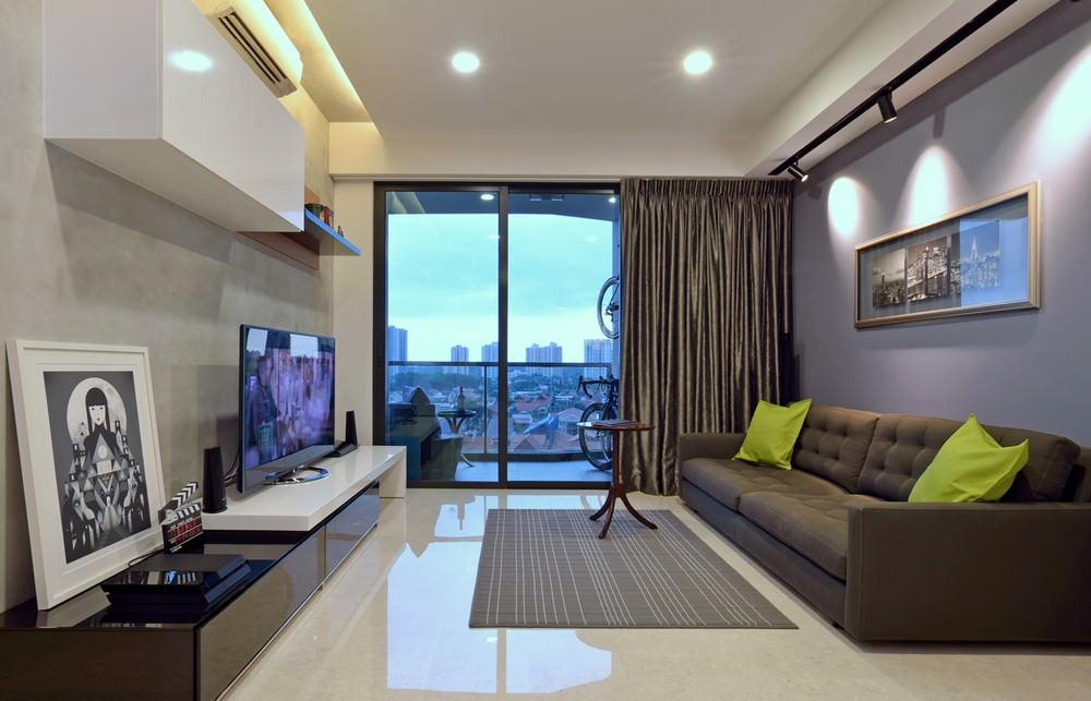 Как красиво оформить окно в гостиной